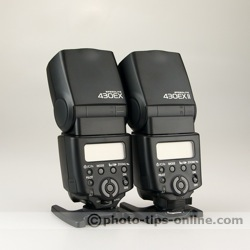 Canon Speedlite 430EX vs. Canon Speedlite 430EX II: back panels