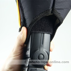 Honl Photo traveller16 softbox: handheld, prevent the softbox from slipping off