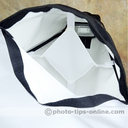 Honl Photo traveller16 softbox: internal baffle eliminates hotspot