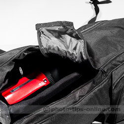 Karamy KSB-KB105 lighting kit bag: unzipping the top