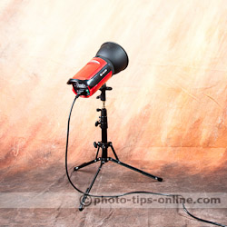 LumoPro Ultra Compact Light Stand: using with Aurora Orion studio strobe