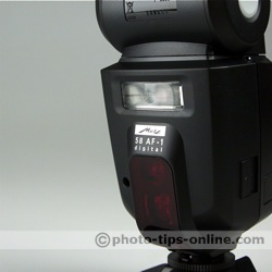 Metz Mecablitz 58 AF-1 flash: secondary reflector