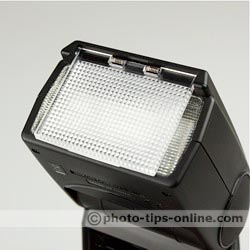 Nikon Speedlight SB-600 flash: built-in wide-angle panel/diffuser