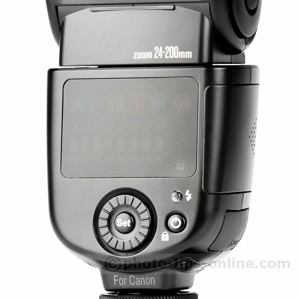 Nissin Di700 flash: display, LED's