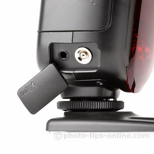 Nissin Di700 flash: sync ports, PC and miniphone