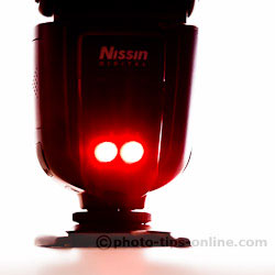 Nissin Di700 flash: auto-focus assist beam