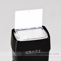 Nissin Di700 flash: wide-angle diffuser, catchlight card