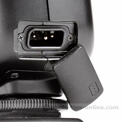 Nissin Di700 flash: external power pack socket