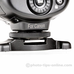 Nissin Di700 flash: mounting ring
