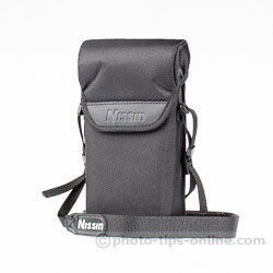 Nissin PS 8 Power Pack: rainproof case, front