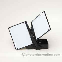 PRESSlite VerteX flash reflector: panel holding arm is angled