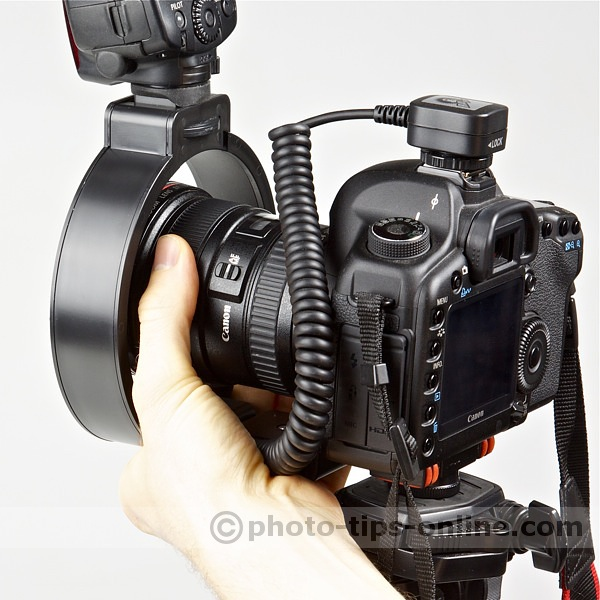 Ray Flash Rotator flash bracket: lens controls are accessible, can be an issue with some lenses and large hands