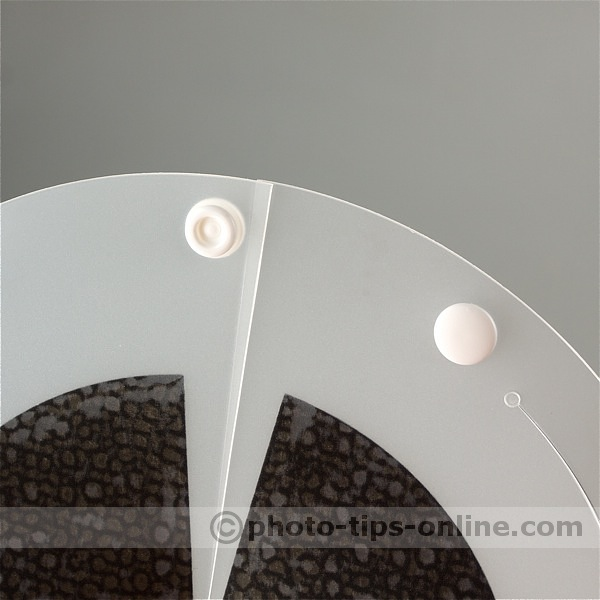 Speedlight Pro Kit Beauty Dish: snap fastener on inner silvered reflector (dish)