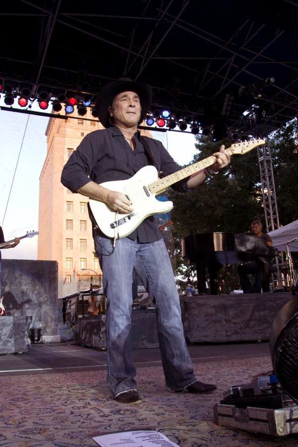 Concert photography: Clint Black. Live on the Levee 2010.